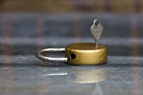 Dreaming of Unlocked Lock: What Does It Mean Seeing Open Padlock
