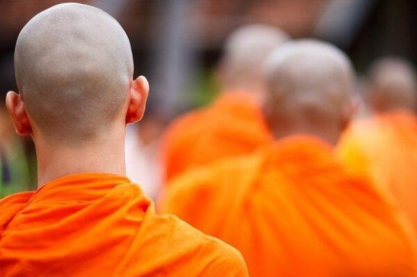 Dream of Seeing Spiritual Guru: What Does It Mean? Let's Understand