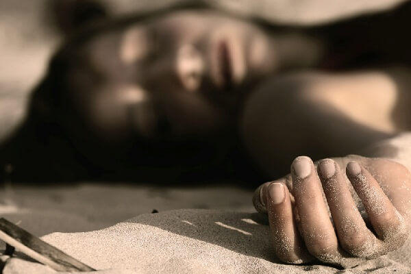 Dream of Alive Mother Dying: What Does It Mean When You Dream Your Mother Died?