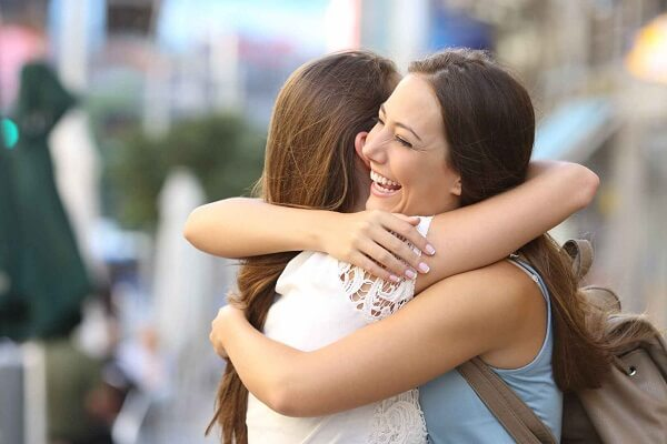 Dream Meaning of Hugging an Old Friend: Let's do interpretation!