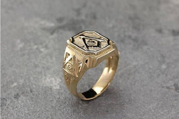 Seeing Gold Ring