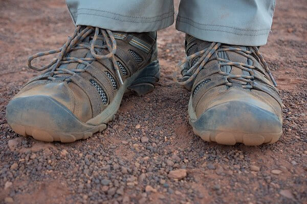 Dream meaning of wearing dirty shoes: What do dirty shoes symbolize in dreams?